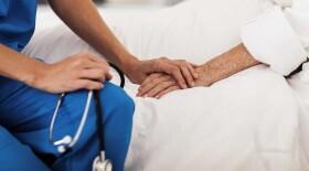 В Санкт-Петербурге приняли пятилетнюю программу развития системы паллиативной медицинской помощи