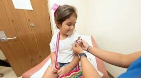 В Москве планируются рекордные объемы вакцинации девочек против ВПЧ
