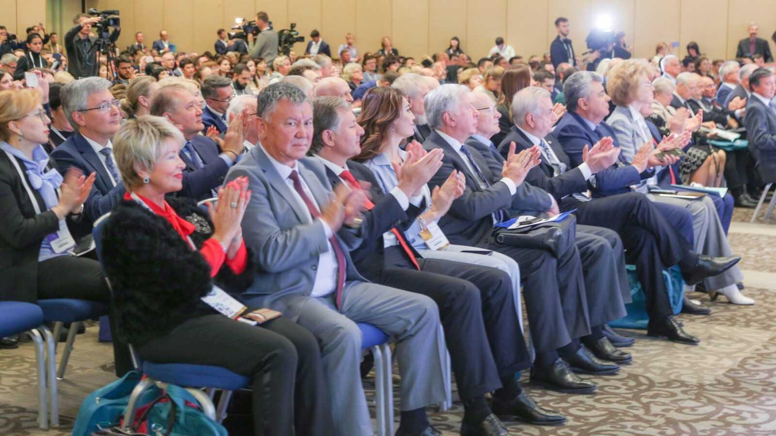 Участники Второго международного форума онкологии и радиологии