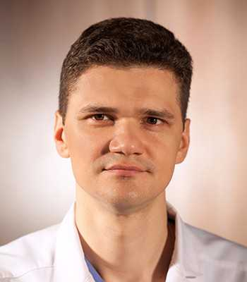 Алексей Сергеевич Калпинский,  к.м.н., старший научный сотрудник отделения онкоурологии ФГБУ «Национальный медицинский исследовательский радиологический центр» Минздрава России