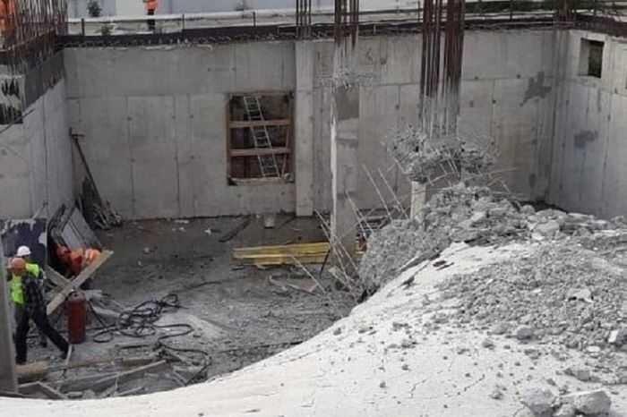 На стройплощадке хирургического корпуса онкобольницы в Ярославле произошло обрушение