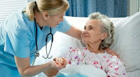 Медицинский патронаж при оказании паллиативной помощи добавят в номенклатуру медуслуг