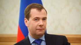 Медведев поручил премировать врачей за диагностику рака