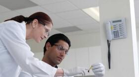 Препарат компании «Рош» для лечения ЗНО одобрен в Европе
