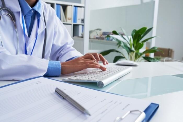 Росздравнадзор зарегистрировал первую в РФ систему помощи принятия врачебных решений «Цельс» с использованием технологий искусственного интеллекта для применения при скрининге рака молочной железы (маммография) и патологий органов грудной клетки (флюорография)