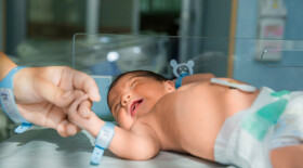 Аудиологический скрининг может помочь выявлять аутизм у новорожденных