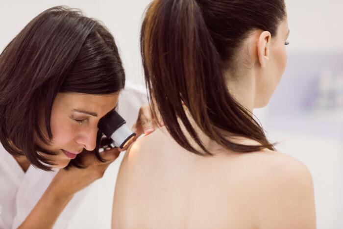 Выявить злокачественные заболевания кожи по фотографии: сервис ПроРодинки при поддержке Санофи