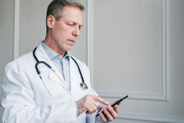 Компания AbbVie поддержала запуск первого мобильного онкологического приложения для специалистов здравоохранения