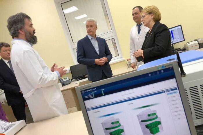 Белокаменная капуста: кем и как будут освоены 15,6 млрд рублей, выделенные Москвой на закупку онкопрепаратов